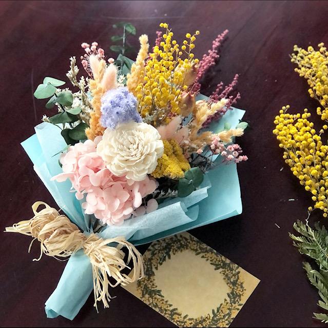 ドライフラワー&プリザーブドフラワーmixの花束です
